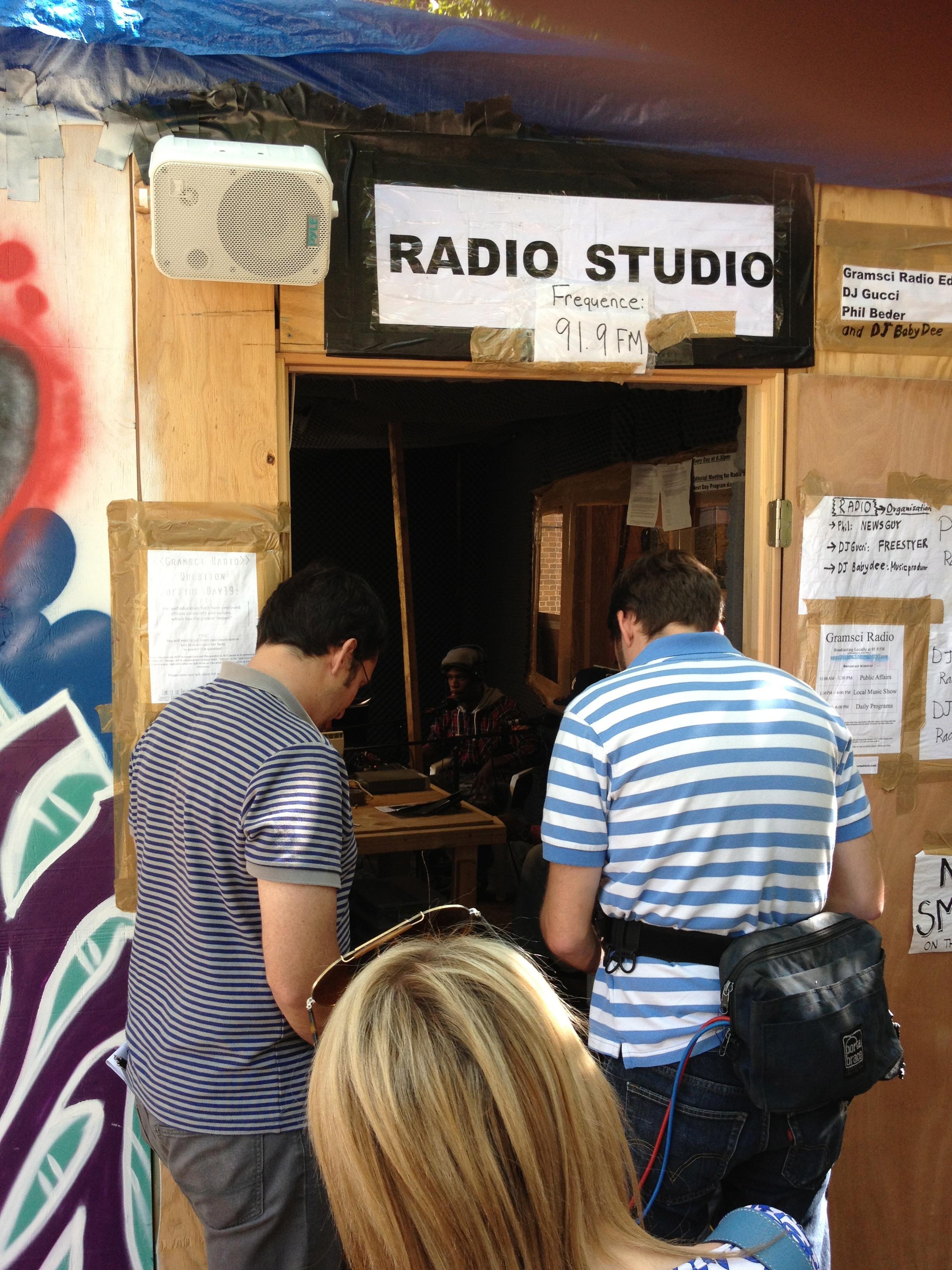 radio_outside